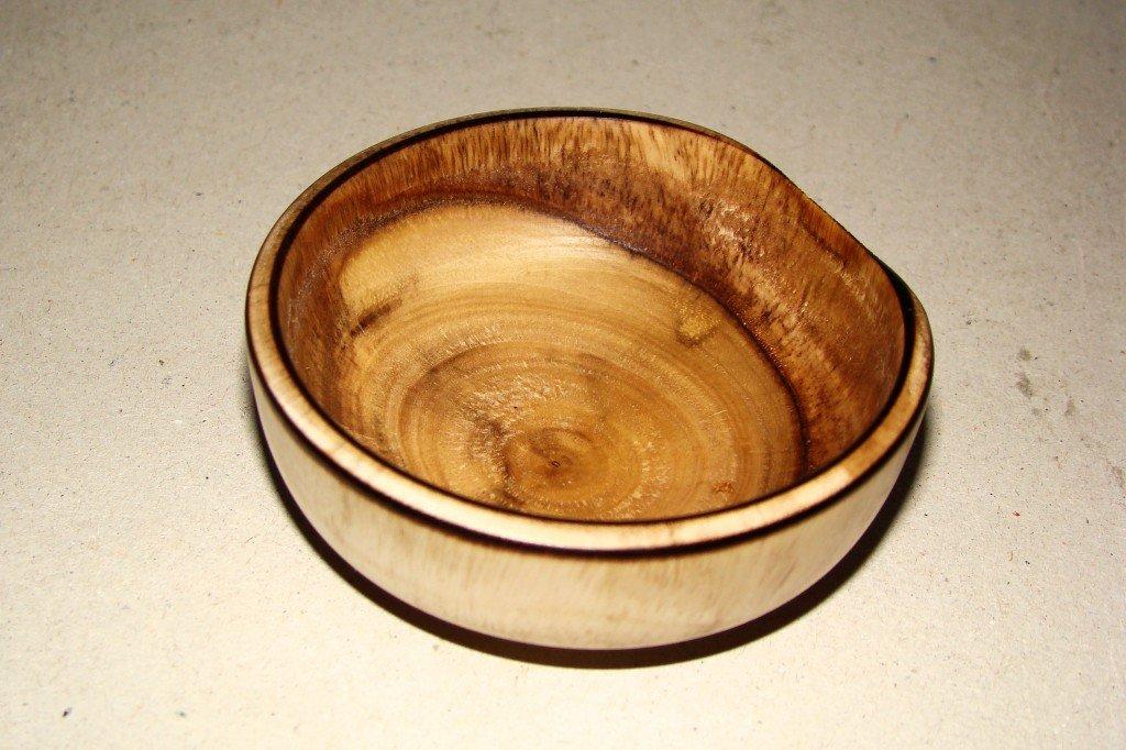 bowl bois dans saladiers et bols